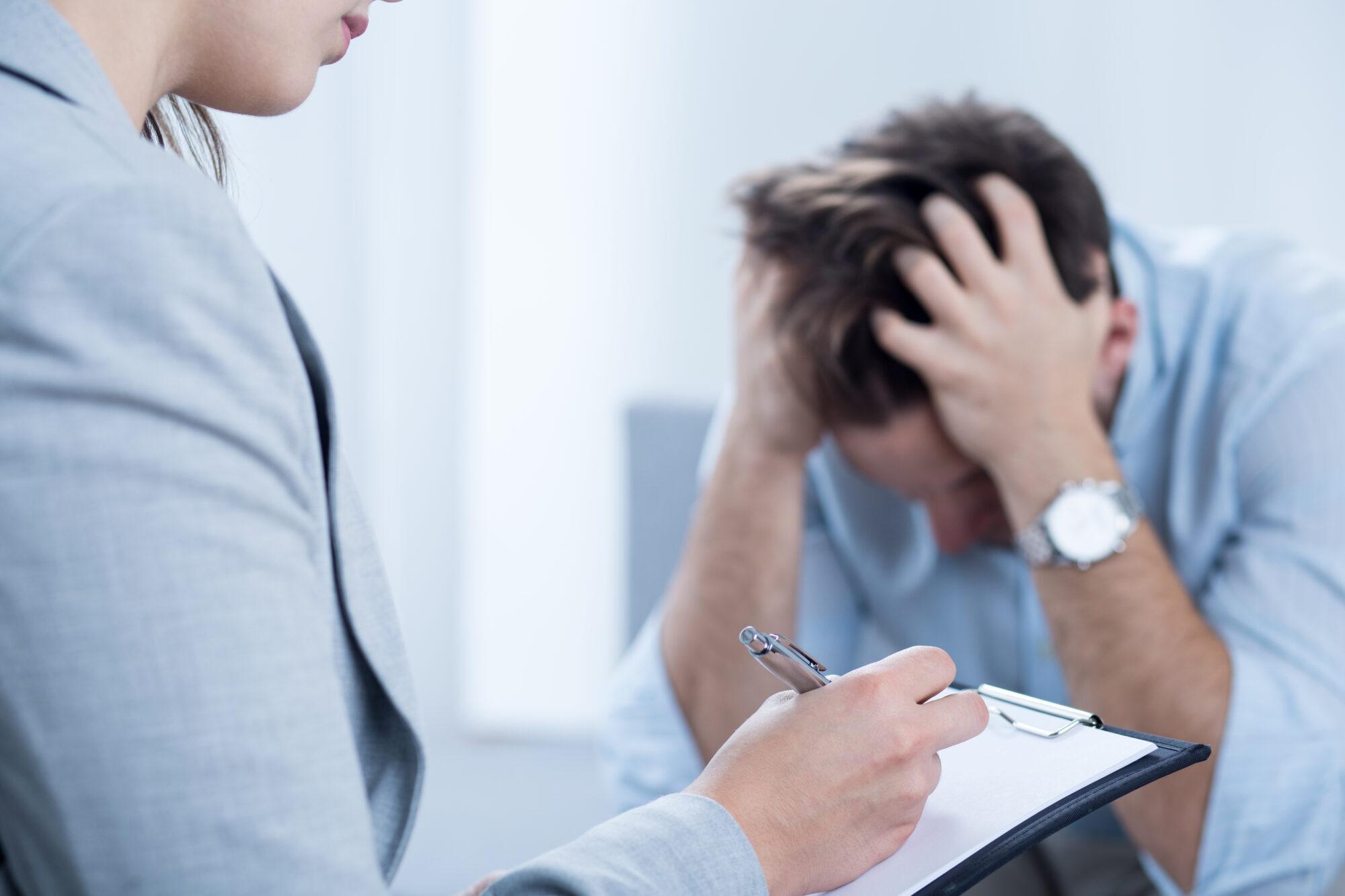 Sådan nedbringer du stress og øger trivslen på din arbejdsplads